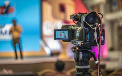 Como fazer transmissão ao vivo em seu site - Sites prontos para notícias e postagens automáticas