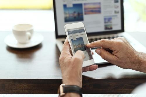 Portal de notícias com postagens automáticas de notícias e assinatura mensal