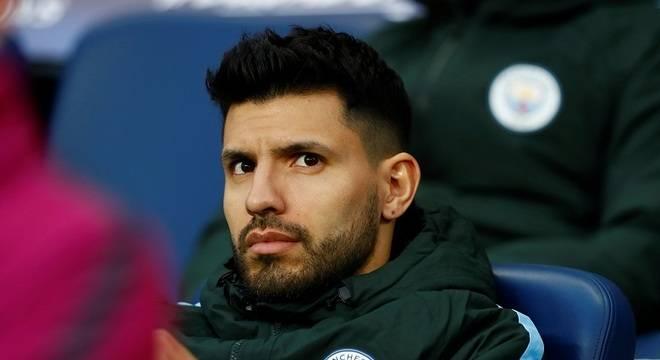 Agüero desfalca City e vira dúvida para Argentina na Copa do Mundo