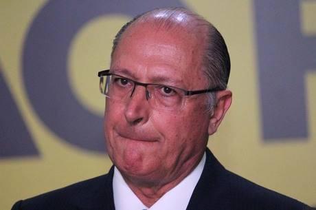 Alckmin dá largada em campanha para Presidência sob pressão