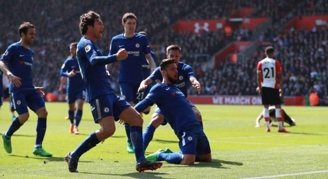 Chelsea vira sobre o Southampton em 9 minutos e vence...