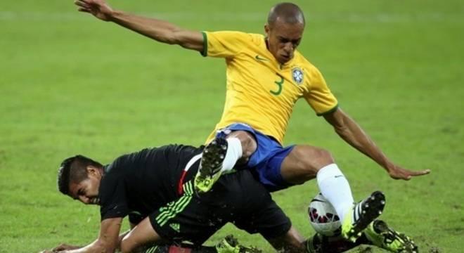 Miranda acredita que sua hora na seleção brasileira chegou