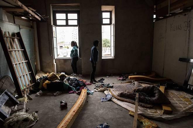 Moradores da Cracolândia ficam sem lar após projeto de hospital