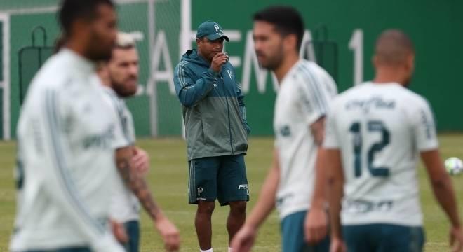 No Engenhão, Botafogo e Palmeiras fazem estreia no Brasileirão