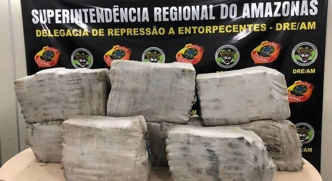 PF do Amazonas apreende 260Kg de skunk na madrugada deste...
