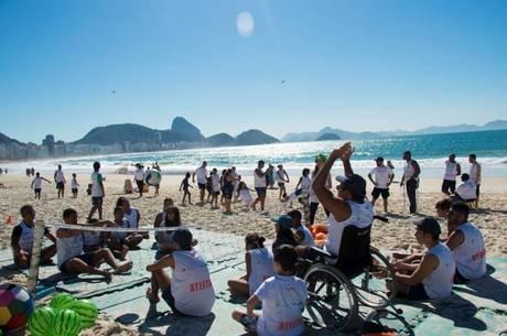 Praia de Copacabana sedia o 3º Festival de Diversidade Superar