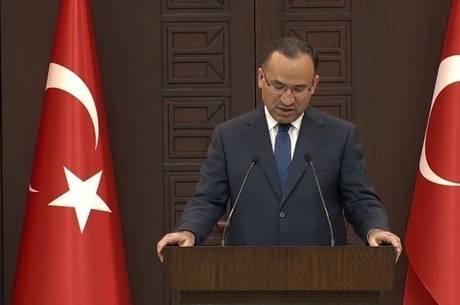 Turquia diz não escolher lado na guerra da Síria